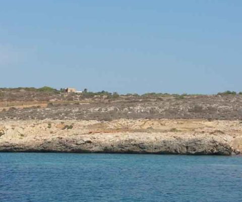 Cala Monaci Marsala costa periplo Sicilia Fontaine Pajot Saba 50 catamarano barca a vela