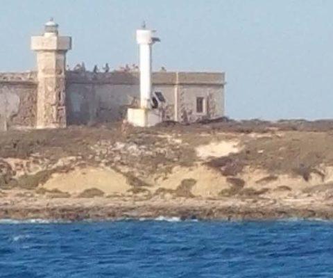 Marina di Ragusa Portopalo fortezza periplo Sicilia Fontaine Pajot Saba 50 catamarano barca a vela