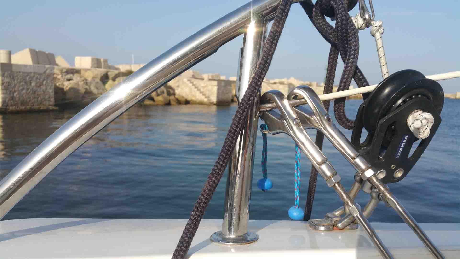 Marsala porto cromatura periplo Sicilia Fontaine Pajot Saba 50 catamarano barca a vela