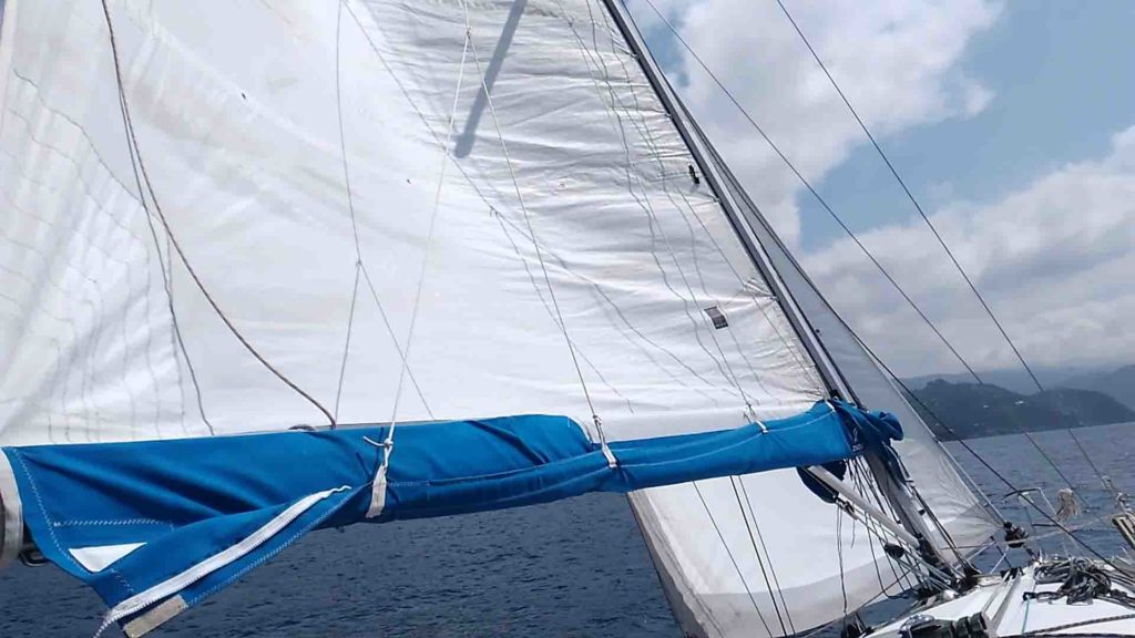Andatura bolina stretta Bavaria 34 Cruiser cinque terre esperienze di vela uscite in barca a vela crociere Varazze